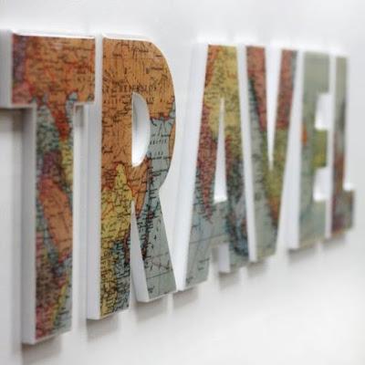 Litere decor TRAVEL acoperite cu harti vechi