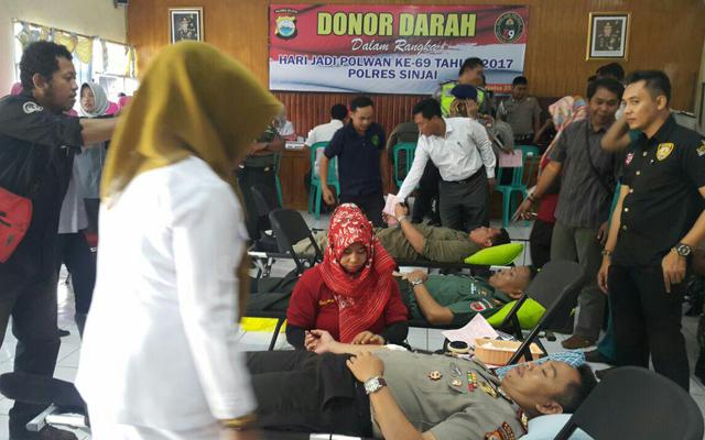 HUT Polwan Ke- 69, Polres Sinjai Gelar Donor Darah