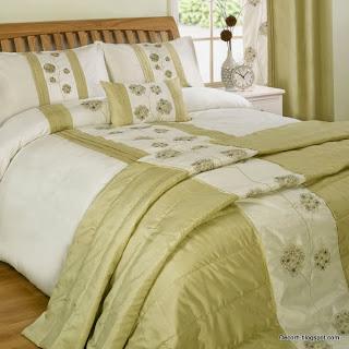 ديكور-مفرش سرير اخضر