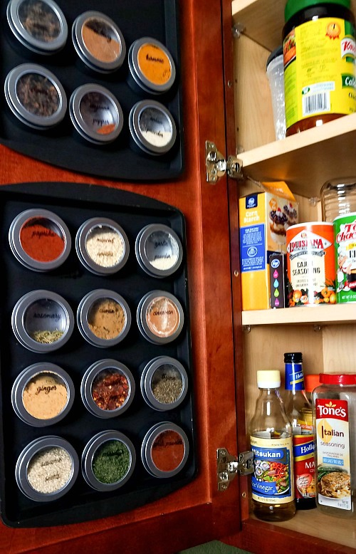 12 Time-Saving Kitchen Organization Ideas- Spending a few minutes organizing your kitchen now can save you hours when its time to cook! For inspiration, check out these kitchen organization ideas!   kitchen organizing, how to organize your kitchen, pantry, spice drawer, fridge, refrigerator, spice cabinet