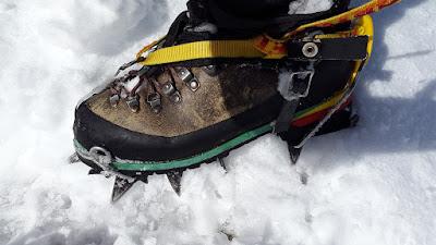 boot gunung es
