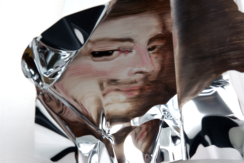 08-Martin-C-Herbst-Oil-Painting-on-Folded-Mirror-Polished-Aluminium-Foil-www-designstack-co