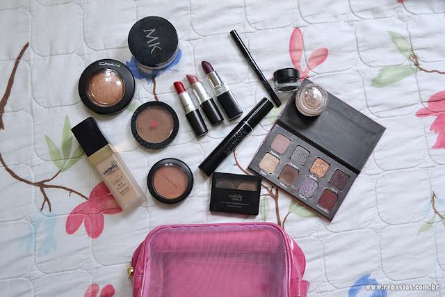 Maquiagem para nécessaire de viagem
