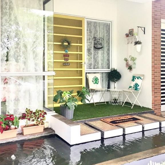 Model Teras Depan Rumah Minimalis Dengan Kolam Ikan Terbaru 2019