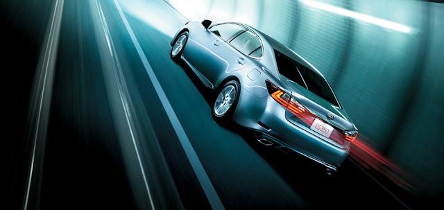 Đuôi xe Lexus thiết kế hình chữ L cách điệu