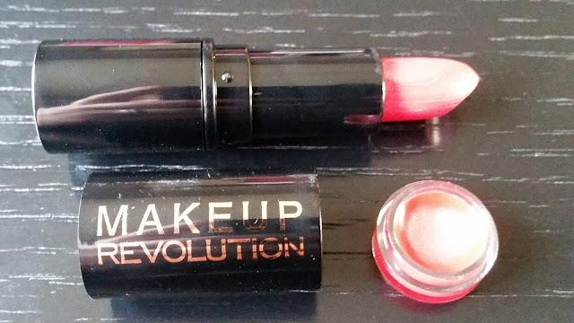 Makeup Revolution Lipstick in Encore