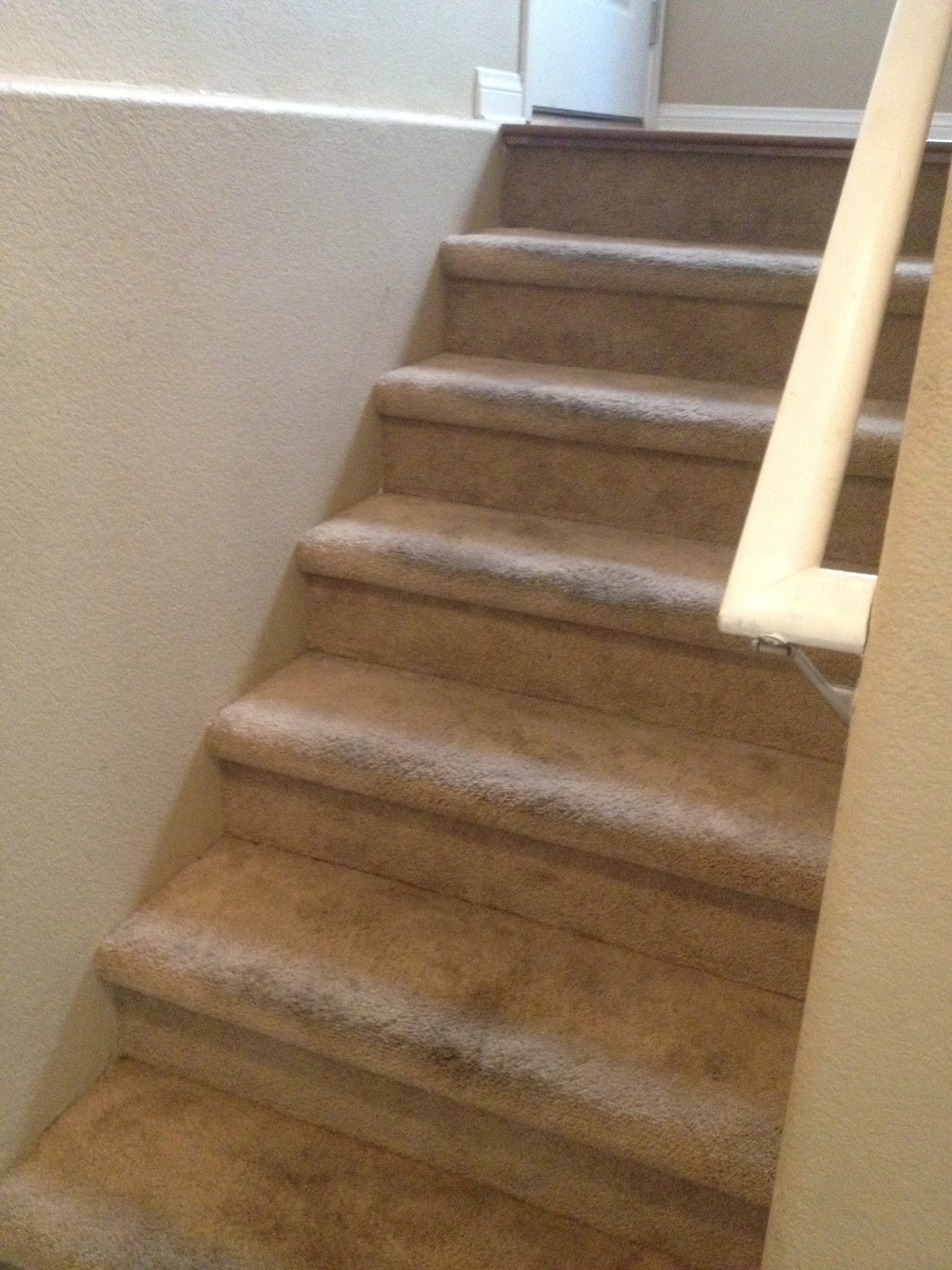 Choosing Contentment: Inexpensive DIY Carpet to Wood Stairs