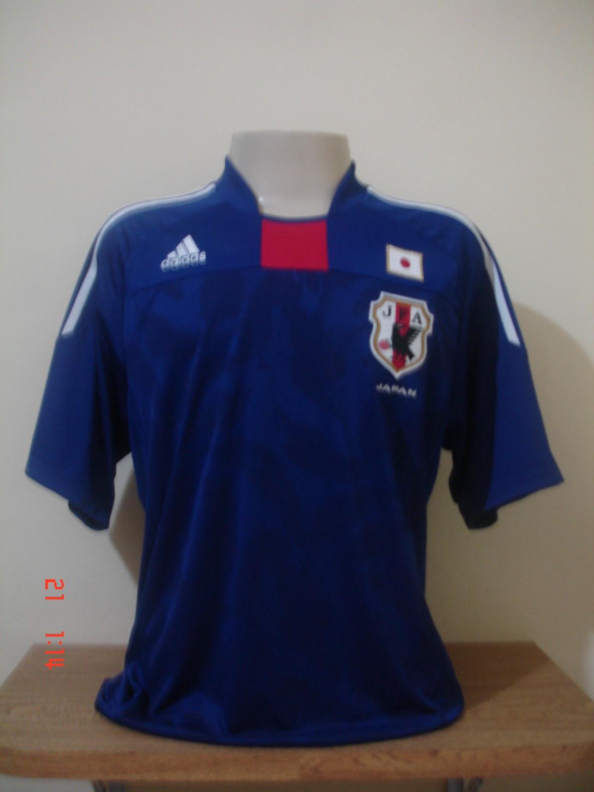 Dia 10 05 2012. Na copa de 2010 a Coréia do Sul jogou com uma camisa muito  bonita. A camisa é rosa e tem como marca d´agua as listras do tigre. a7b8ca6d2163c