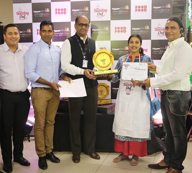 HyperCITY Budding Chef- Mumbai_(L-R)_Manoj Jain, Pradeep Das, Hemant Taw...