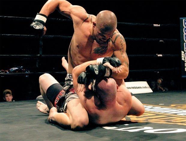 Homem de 53 Anos Vence Lutador de MMA (KO)