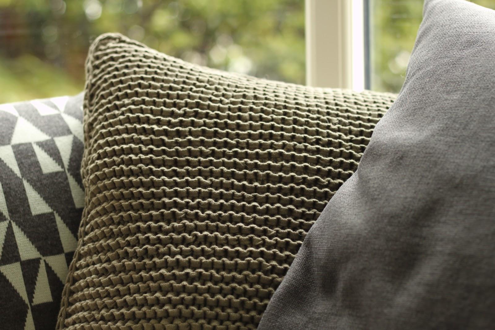 Modernistisk YARNFREAK: DIY - strikket pude GJ57