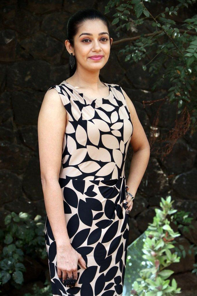 Kannada Actress Photos In Black Dress Chaya Singh