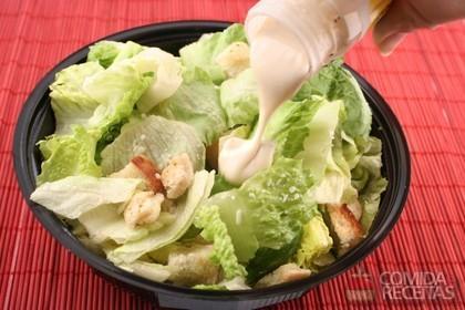 Salada de Alface Diferente (Imagem: Reprodução/Comidas e Receitas)