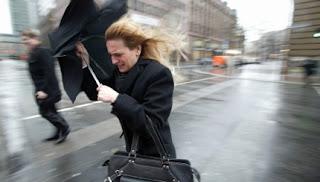 Будьте бдительны: ожидается сильный дождь, грозы, град, шквалистый ветер