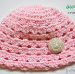 http://mymerrymessylife.com/2013/09/sweet-pea-crochet-beanie-free-crochet-pattern.html