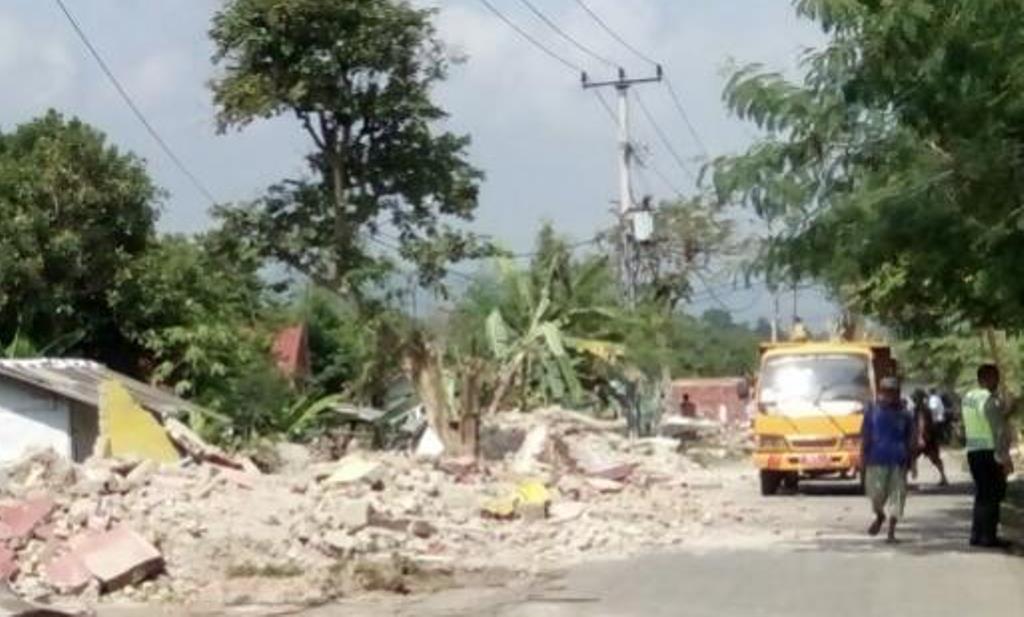 Satpol PP Bongkar 25 Bangli di Cimerta Subang