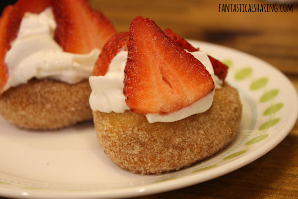 Strawberry Shortcake Donuts #recipe #breakfast #donuts #strawberry #FantasticalFoodFight