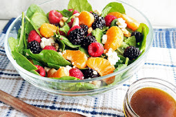BERRY ORANGE SPINACH SALAD WITH CITRUS BALSAMIC VINAIGRETTE