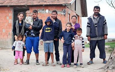 6 Negara dengan Program Keluarga Berencana Paling Aneh di Dunia