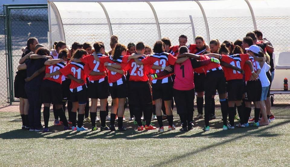 0e34a6499a A equipa sénior de futebol feminino do Paio Pires recebeu e venceu o  Estoril por 3-1 no jogo de apresentação aos sócios realizado no Campo Vale  d Abelha.