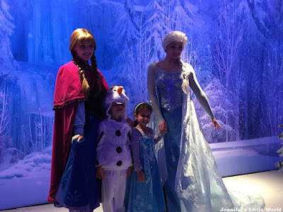 Meeting the Frozen sisters on a cruise ship