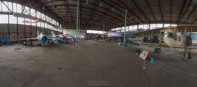 Ангар с самолетами в центральном музее ВВС в Монино