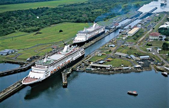 Kanal Panama, Penghubung Atlantik dan Pasifik