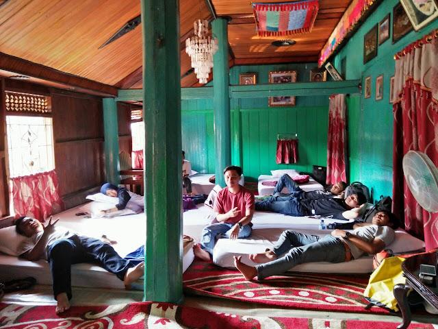 rumah gadang yang dijadikan homestay