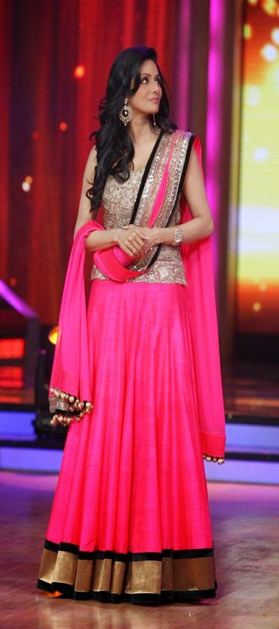 Indian-Fancy-Embroidered-Lehenga-Choli-For-Wedding-Parties-HD-Images