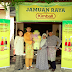 CELEBRITY CHEF FIKREE BRINGS RAYA OPEN HOUSE TO KIMBALL RAYA CONTEST WINNERS