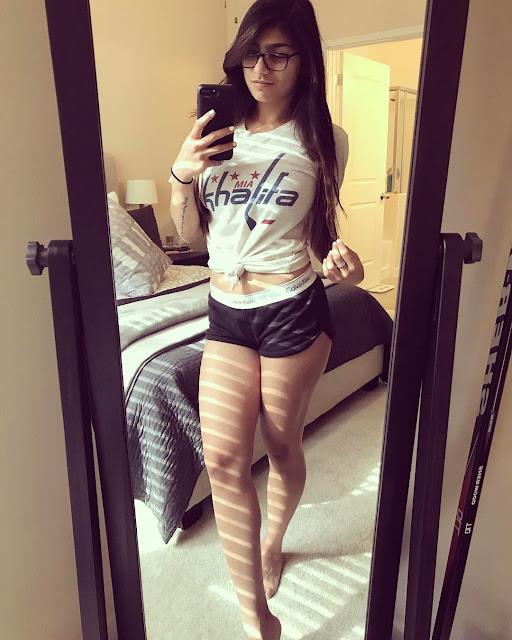 Mia-Khalifa-sexy-hot-figure-selfie-Instagram