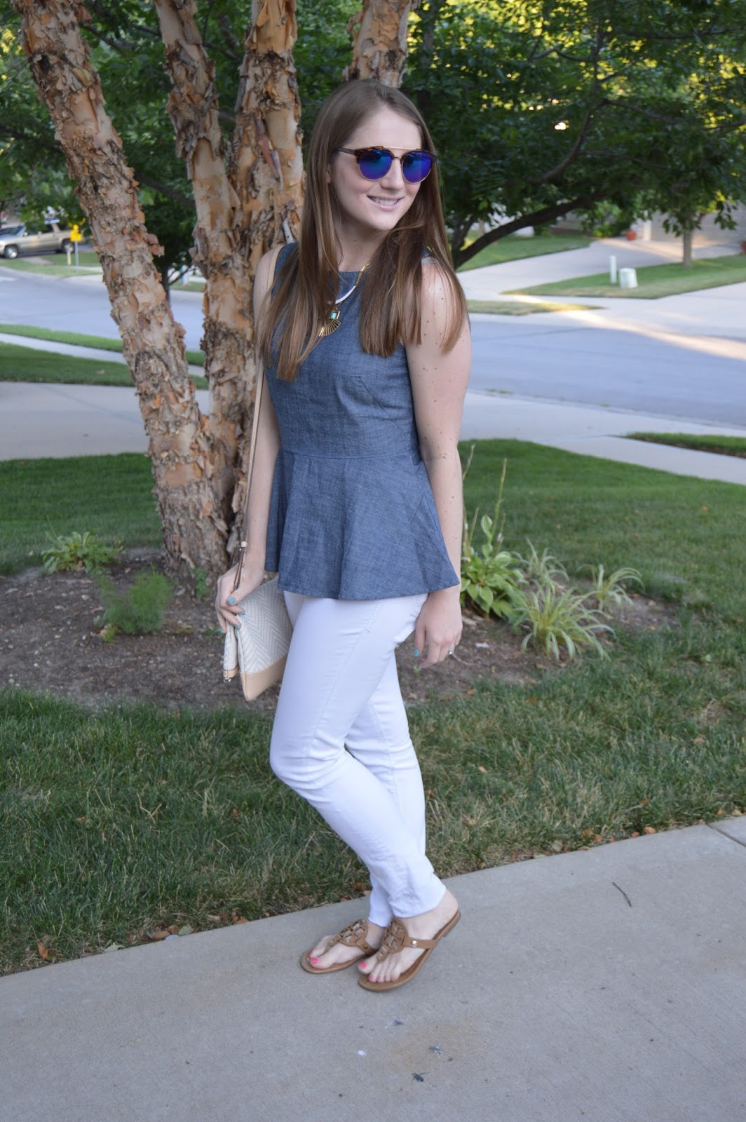 chambray with white denim | chambray top outfit ideas | white skinny jeans with a chambray top | summer outfit ideas | summer style | summer look book | banana republic your life styled | kansas city blogger |