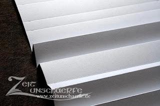 Karton falten | Plissierbrett selbst machen | www.zeitunschaerfe.de