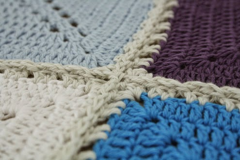 Crochet squares: joining as you go