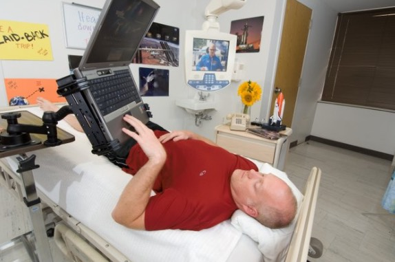 NASA Mencari Manusia Yang Sanggup Baring Selama 70 Hari Tanpa Henti Untuk RM77,085