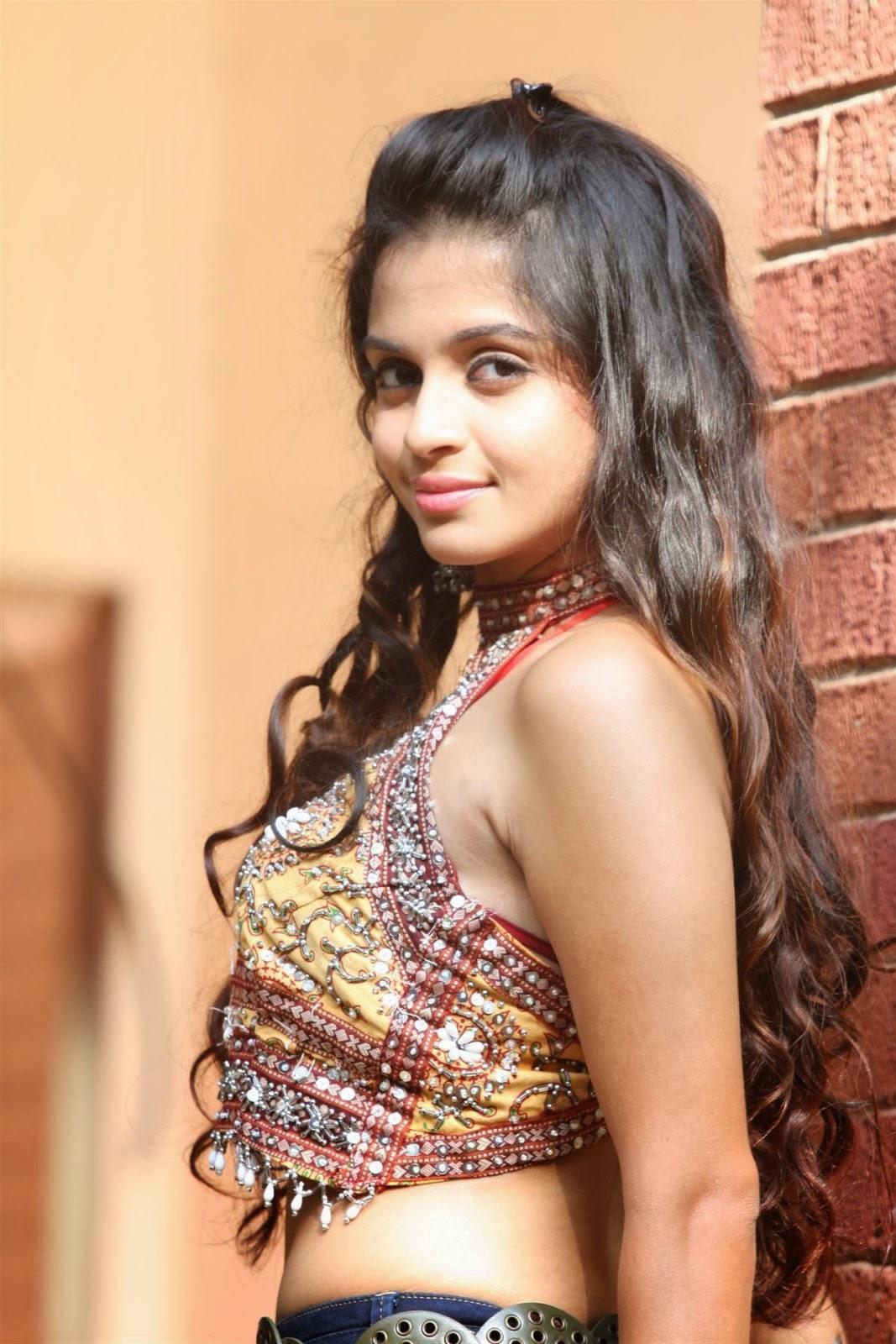 Blooming Sheena Shahabadi Hot Navratri Photo Shoot in backless & Jeans