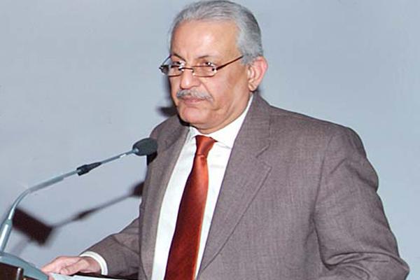 آصف شاہد: پارلیمان کو کمزور کرنے کے حربے استعمال ہو رہے ہیں، تمام ادارے آئینی حدود میں رہیں، رضاربانی