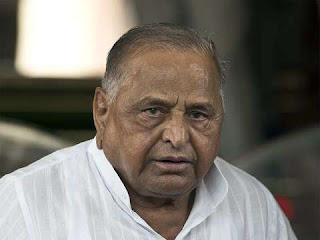 mulayam-gives-modi-blessings--to-pm-again