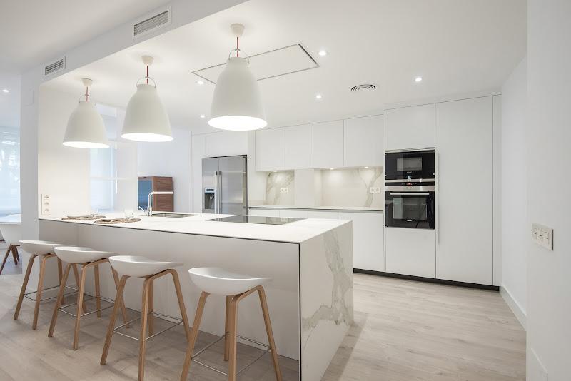 La cocina se convierte en en el centro de la casa en Barcelona