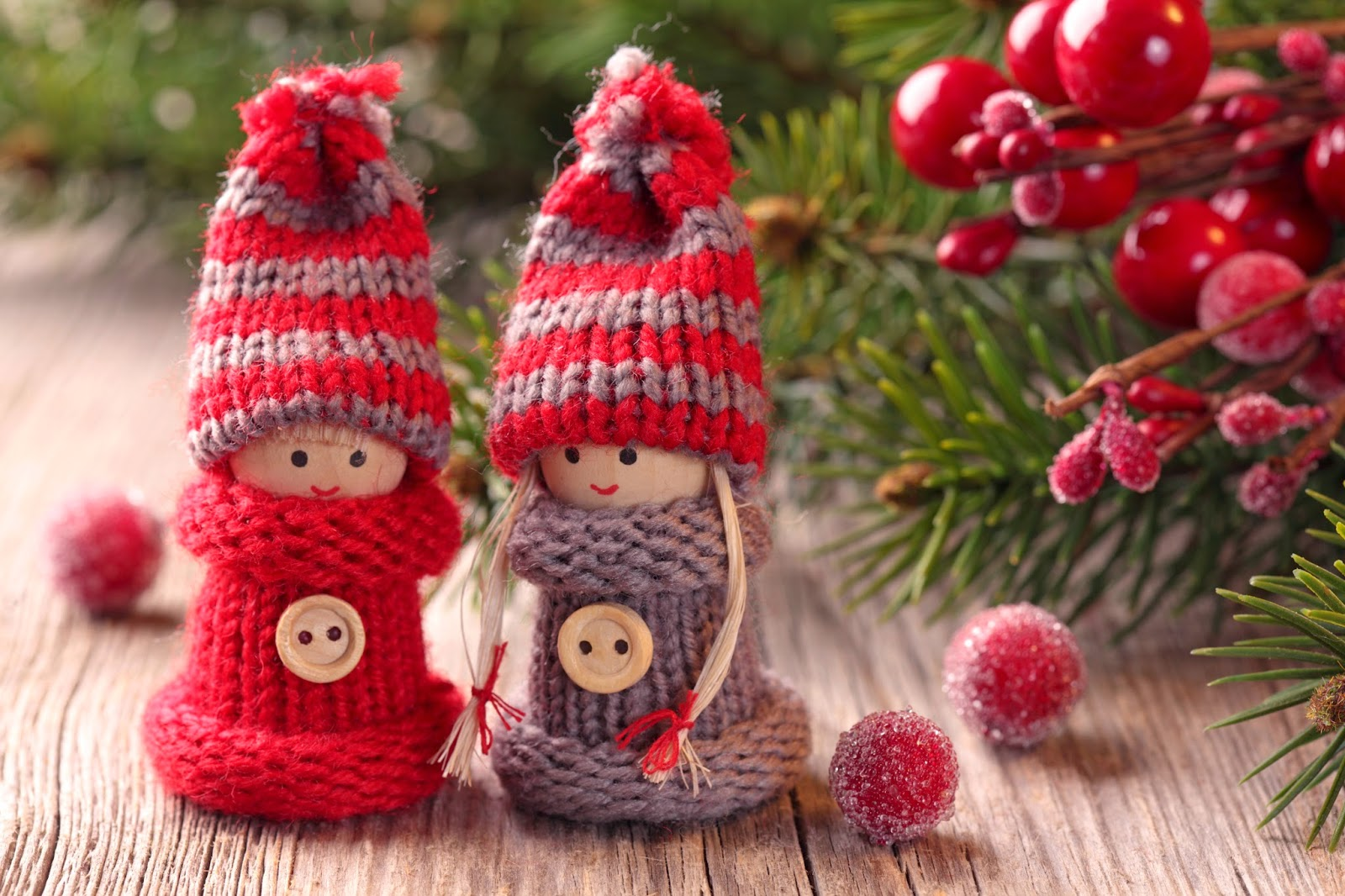 Christmas-decoration-vintage-hand-knitted-toys-images-pictures.jpg