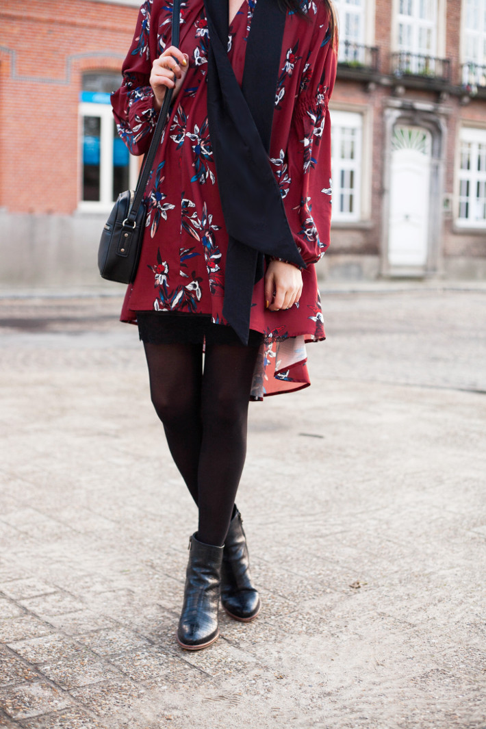 Outfit: bohemian in long sleeve high-low dress