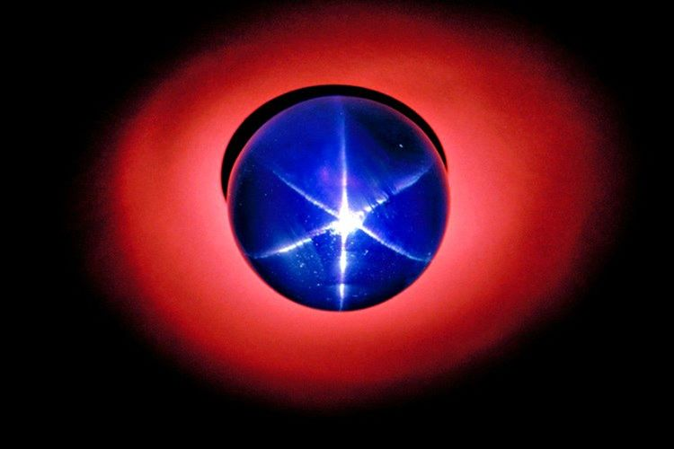 563 karatlık Hindistan Yıldızı, Lidya Kralı Karun'un hazineleri arasındaki en değerli parçalardan biridir.