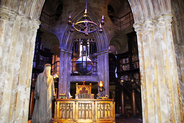 dumbledore-office-warner-bros-studio-tour-harry-potter