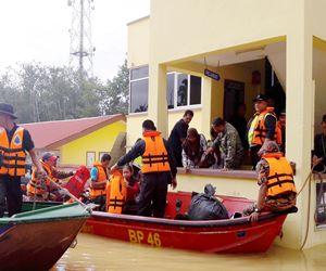 Penampatan Banjir Tenggelam Air Mangsa Pindah Lagi
