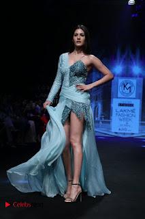 Actress Amyra Dastur Walk On Ramp for Designer Karn Malra at LFW Summer 2017  0007.jpg