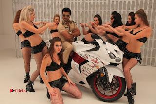 Ram Charan Teja Priyanka Chopra Super Police Tamil Movie Gallery  0016.jpg