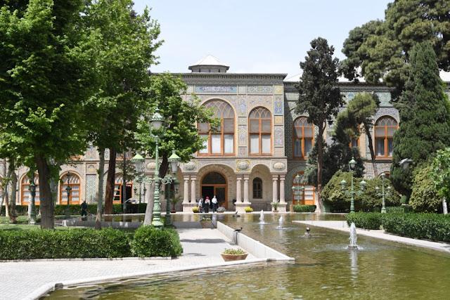joker reizen, teheran, qazaq khaneh university of art, Honarmandan park, Negarestan park, portal of bagh meli, mashq square,keramiekmuseum teheran, khomeini mausoleum, iran, museum-garden of anti arrogance, golestan palace,