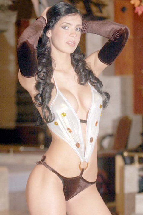 Superstar Mirna Pereira Naked Gif