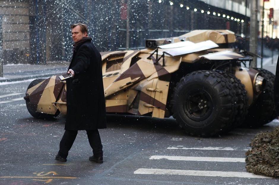Christopher Nolan's Next Movie : クリス・ノーラン監督の謎のブロックバスター映画のヒロインをつとめる幸運な主演女優と、共演者の3人めのキャストが決定 ! !