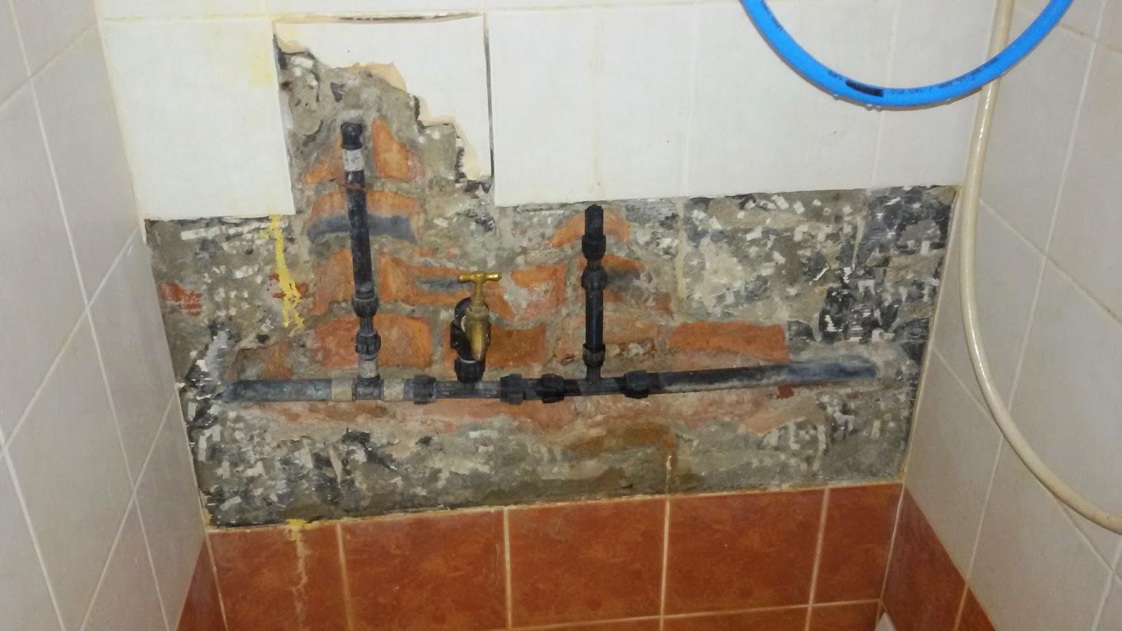Inilah Puncanya Aku Rasa Bebudak Tak Mandi Dalam Bilik Air Diorang Tile Ini Terpaksa Dipecahkan Sebab Paip Bocor Huhuhu Dah Ok Tapi Nak Cari